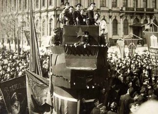 Revolutionaries on a platform in Russia, 1917
