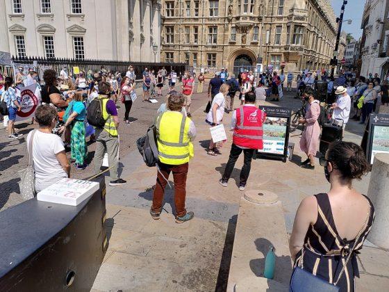 Nurses protest over pay in Cambridge