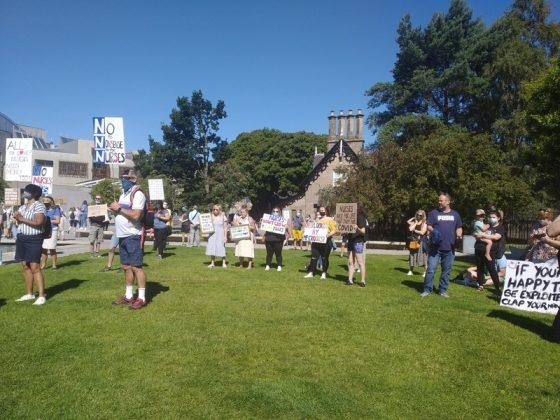 Nurses protest over pay in Edinburgh