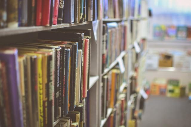 Books in a school library. Keywords: school closures closed NEU National Education Union strike